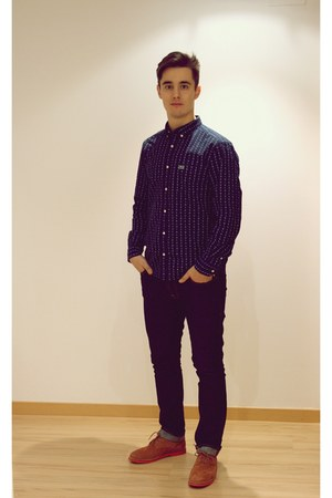 navy Lacoste life shirt - tawny Pointer shoes