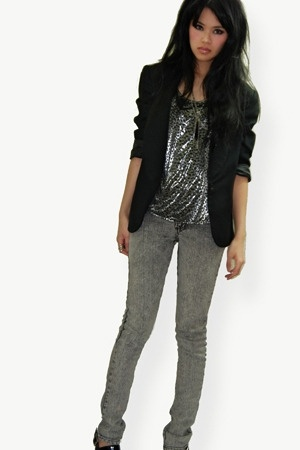 metallic leopard & acid wash jeans.