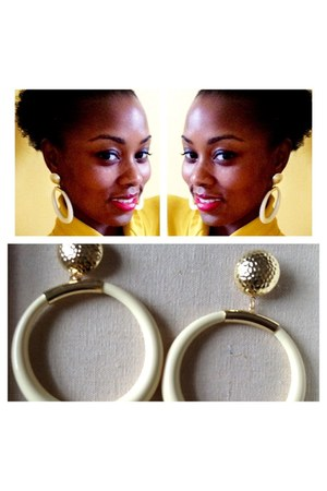 beige Beju Beju earrings