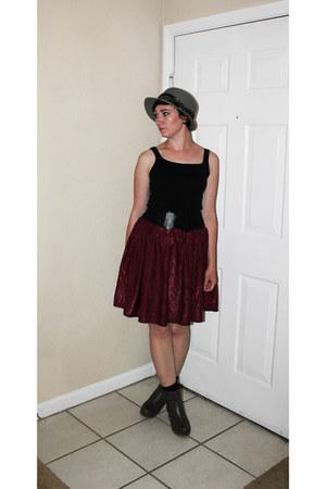 maroon thrifted skirt - heather gray boots - black Gap shirt