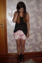 bubble gum floral print Zara shorts - black stripes H&M shirt