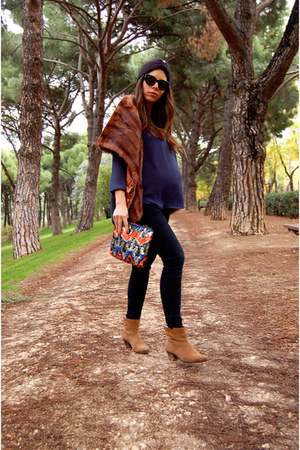 Zara purse - Mango boots - Zara shirt - Sabre sunglasses - DrDenim pants