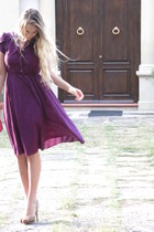 purple 50s vintage dress - beige peep toe Steve Madden heels