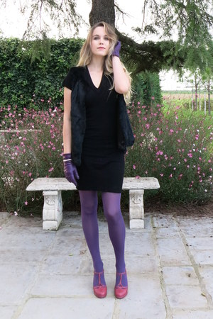 magenta Colcci shoes - black Corin dress - black fur Gérard darel vest