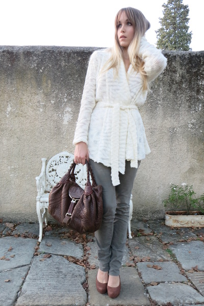 white knitted Only cardigan - brown spy Fendi bag - olive green EDUN pants