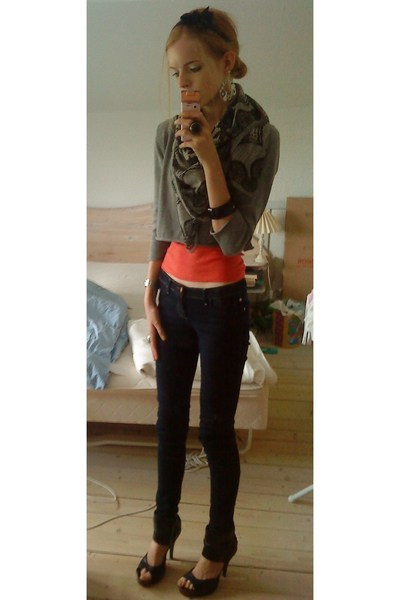 H&M blouse - Vero Moda top - GINA TRICOT jeans - bronx shoes