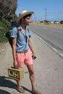 Beige-swapmeet-hat-blue-h-m-shirt-coral-shorts-shorts-beige-radio