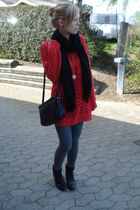 red seconhand sweater - gray Vero Moda leggings - black mamas boots - black Pash
