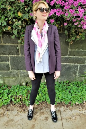 deep purple dvf blazer - black maternity Gap leggings - periwinkle Uniqlo shirt