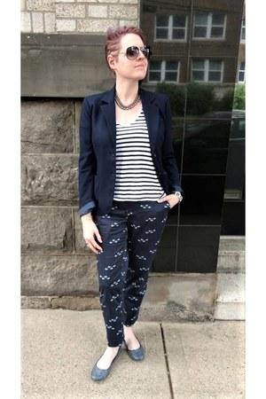 navy JCrew blazer - white striped Zara t-shirt - blue bird-printed Uniqlo pants