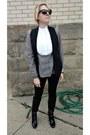 Black-zara-leggings-charcoal-gray-pleat-front-asos-shirt-black-zara-vest