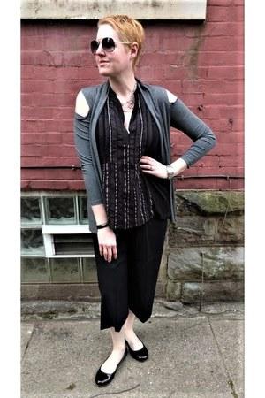 black culotte everlane pants - black boho tunic Anthropologie top