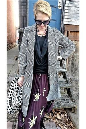 brown plaid H&M coat - black knit modcloth shirt - ivory circle JCrew scarf