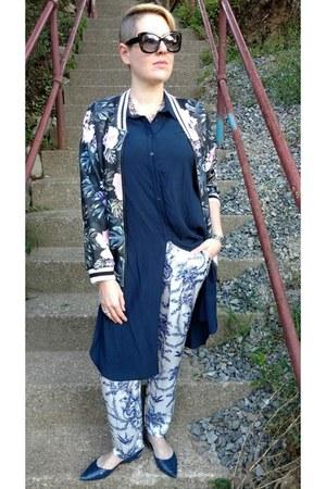 black floral bomber Zara jacket - blue Mango shirt
