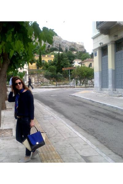 Zara jeans - Zara sweater - Hermes scarf - Hermes belt - TOMS flats