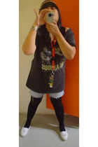 infamous shirt - Levis Red Tab 514 shorts - moonbeam tights - Oasis shoes