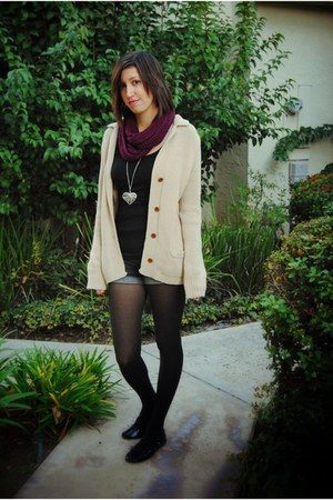 Platos Closet sweater - Chain93 scarf - Simple Ballet flats