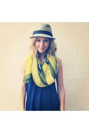 chartreuse Joie scarf