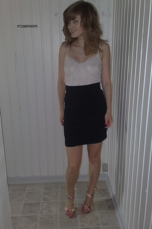 H&M skirt - Vero Moda top - Bianco shoes