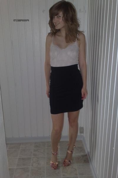 H&M skirt - Vero Moda top - Bianco shoes
