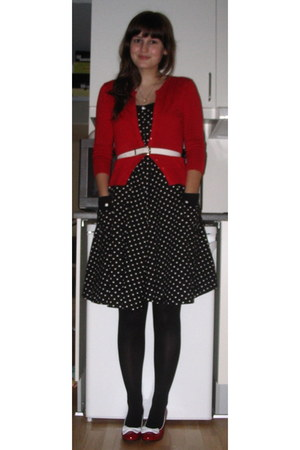 black H&M dress - red Lola Ramona heels - red 2nd Hand cardigan - white 2nd Hand