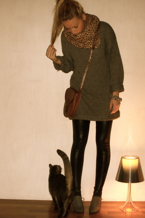 tights - sweater - purse - scarf - shoes - bracelet