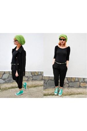 Converse sneakers - Bellino coat - Zara blouse