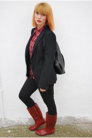 black Zara blazer - Nikki Me boots - Bellino shirt