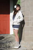 white Macys coat - white Esarli shoes - navy Forever 21 dress