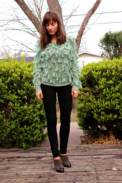 ribbon Nasty Gal sweater - skinny Uniqlo jeans