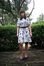 White-floral-vintage-dress-blue-suede-clarks-shoes