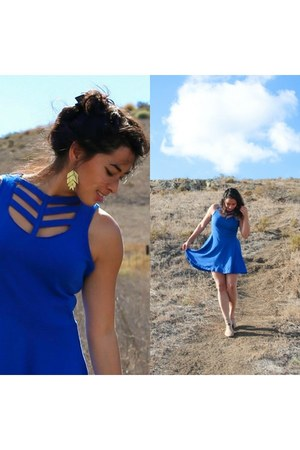 blue casual 4 all humanity dress - mustard boho Geenola earrings