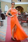Carrot-orange-bby-dress-black-heels