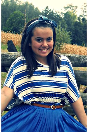 blue skirt - sky blue scarf - blue H&M t-shirt - brown belt