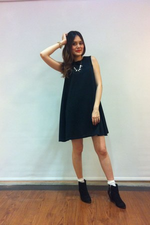 black heels boots - black dress - white socks - black necklace - gold bracelet