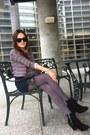 Heather-gray-tights-black-sunglasses-navy-skirt-heather-gray-top