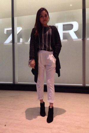 gray Zara sweater - black heel boots - charcoal gray coat - silver bag