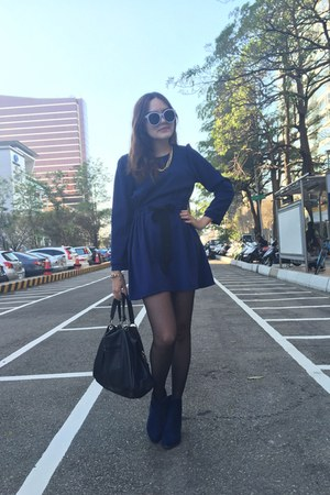 blue heels boots - blue dress - black bag - off white sunglasses - gold bracelet