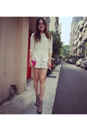 white shorts - tan heels boots - white knitted top - gold bracelet