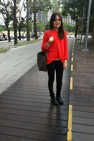 red Zara cardigan - black boots - black leggings - gray bag - gold bracelet