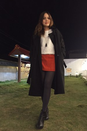 black heels boots - black coat - white sweater - charcoal gray tights