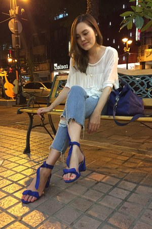 blue sandals - sky blue jeans - navy longchamp bag - white top - silver necklace