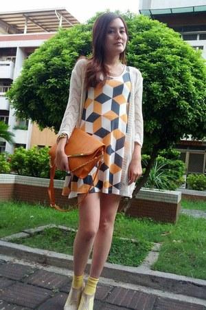 nude dress - white knitted coat - light orange bag - yellow socks