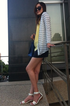 heather gray knitted coat - blue bag - navy shorts - black sunglasses