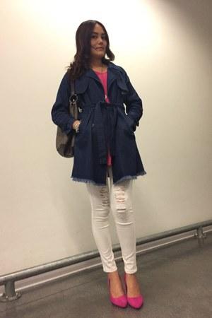 blue knitted coat - white leggings - heather gray bag - hot pink heels