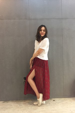 white shoes - beige Legatolargo bag - brick red skirt - white Zara top