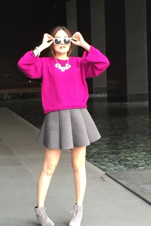 silver necklace - heather gray heels boots - magenta sweater