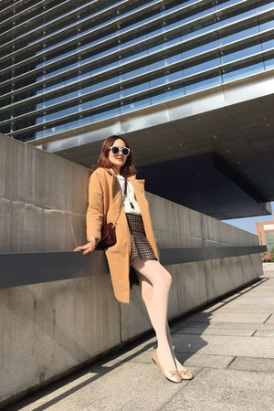 beige coat - white tights - brick red new look bag - white sunglasses