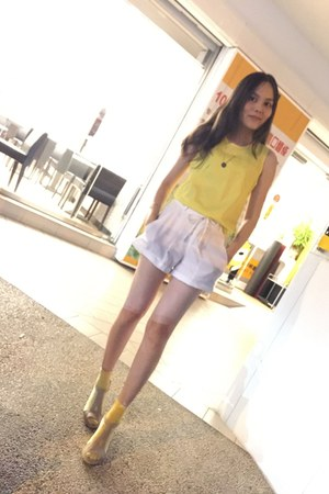 yellow socks - white shorts - yellow top - neutral heels - gold necklace