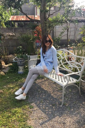 white shoes - heather gray leggings - black bag - black nuveau sunglasses